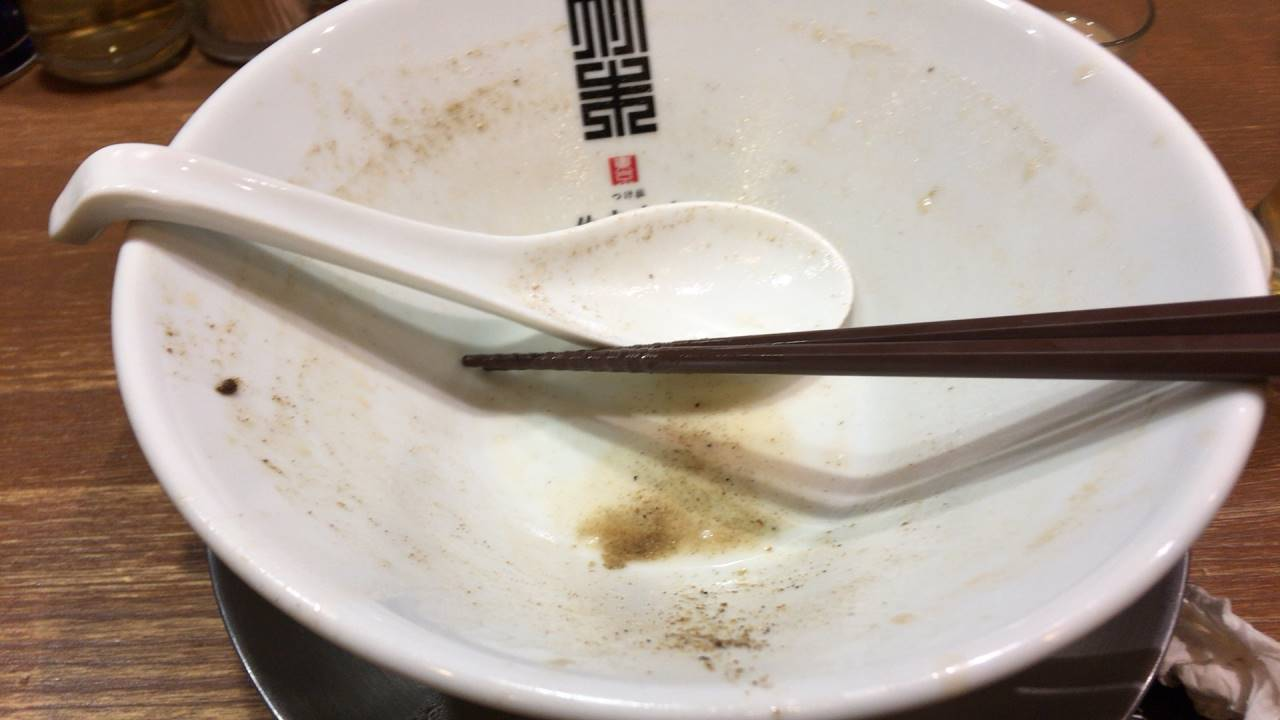 ヤシオマスの塩そば麺大盛り完食した丼