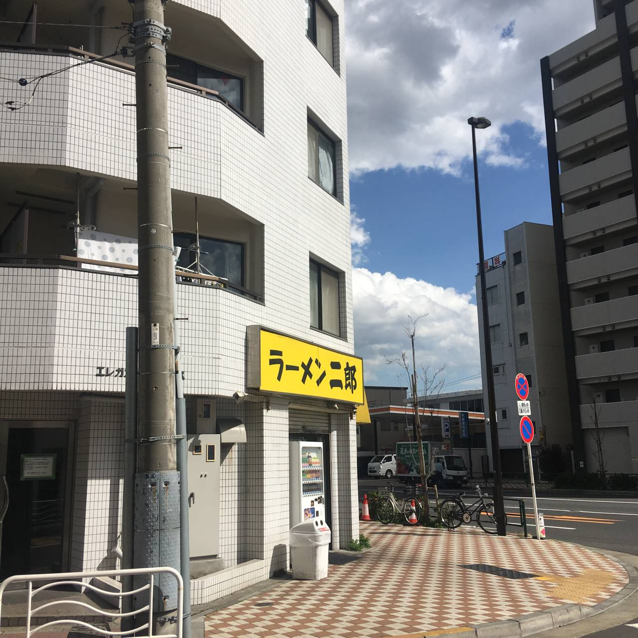 亀戸二郎店舗外観