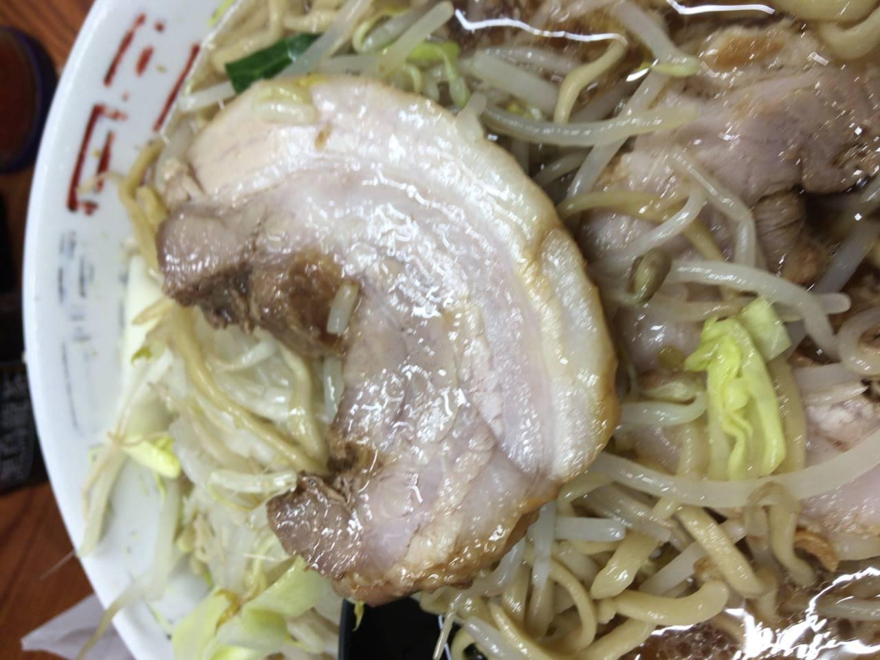 ラーメン730円の豚肉