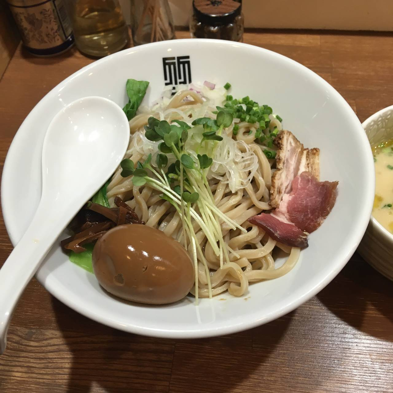 竹末東京プレミアムの鶏つけそばの麺