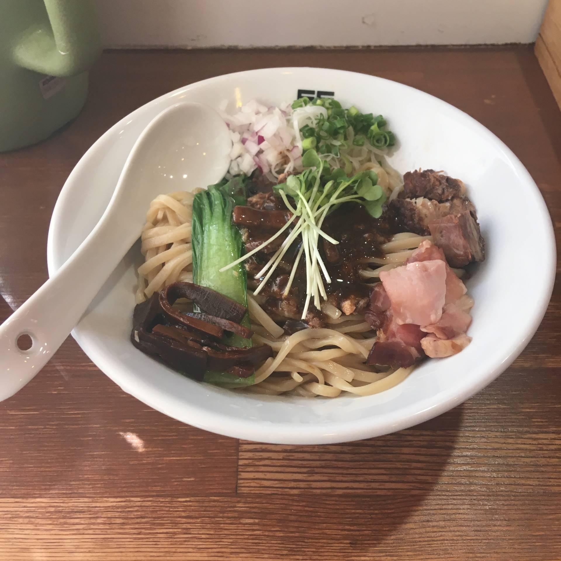 2018年04月19日の竹末東京プレミアムでサンマとイカのまぜそば900円