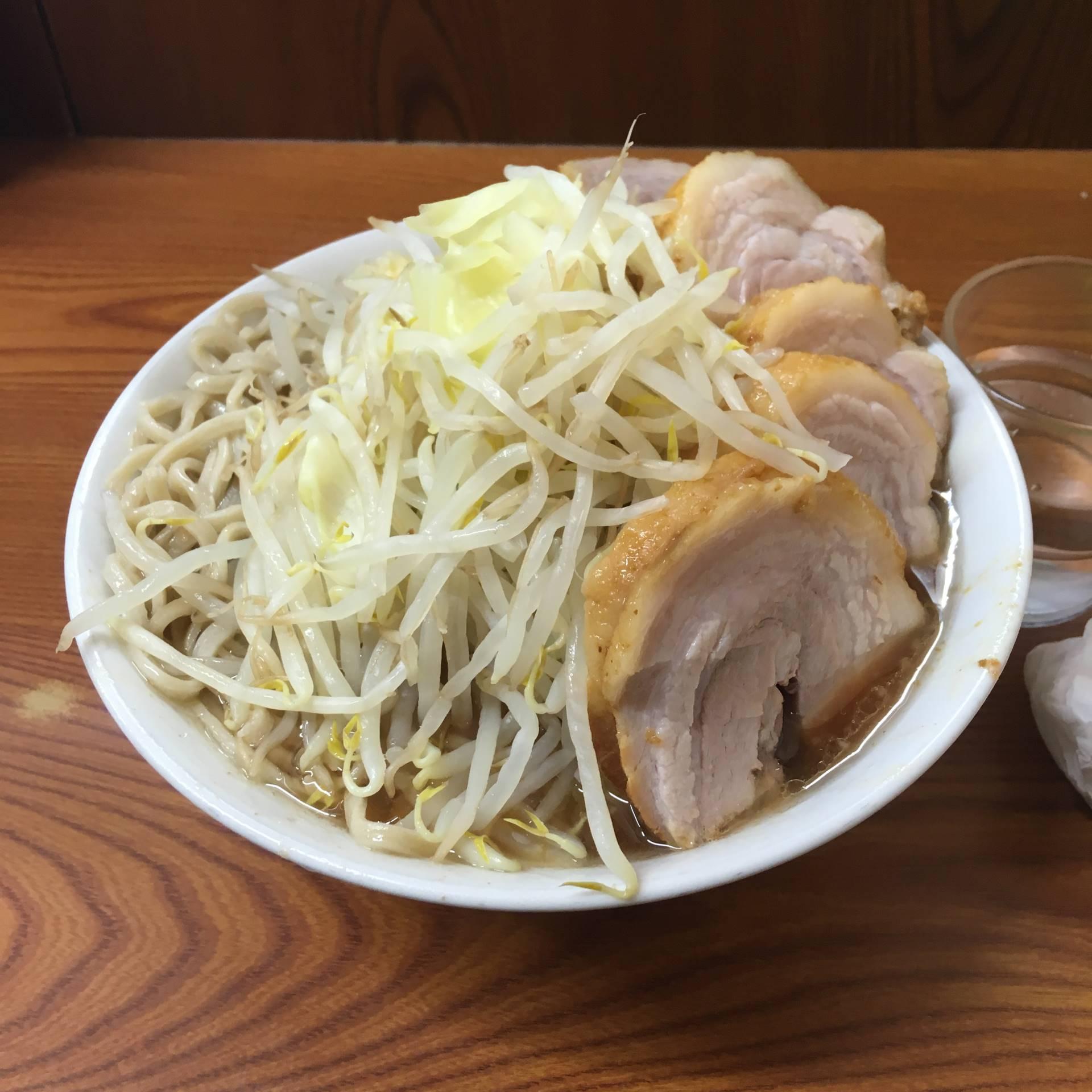 ブタ入りラーメン(豚五枚)830円