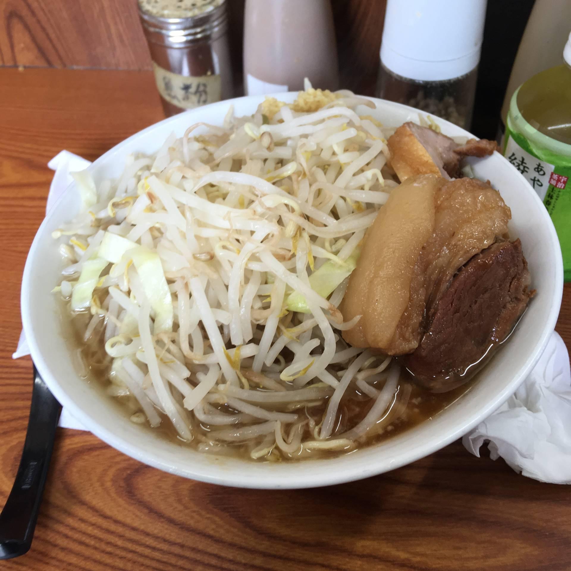 ラーメン730円 麺すくなめ硬め ヤサイマシニンニク