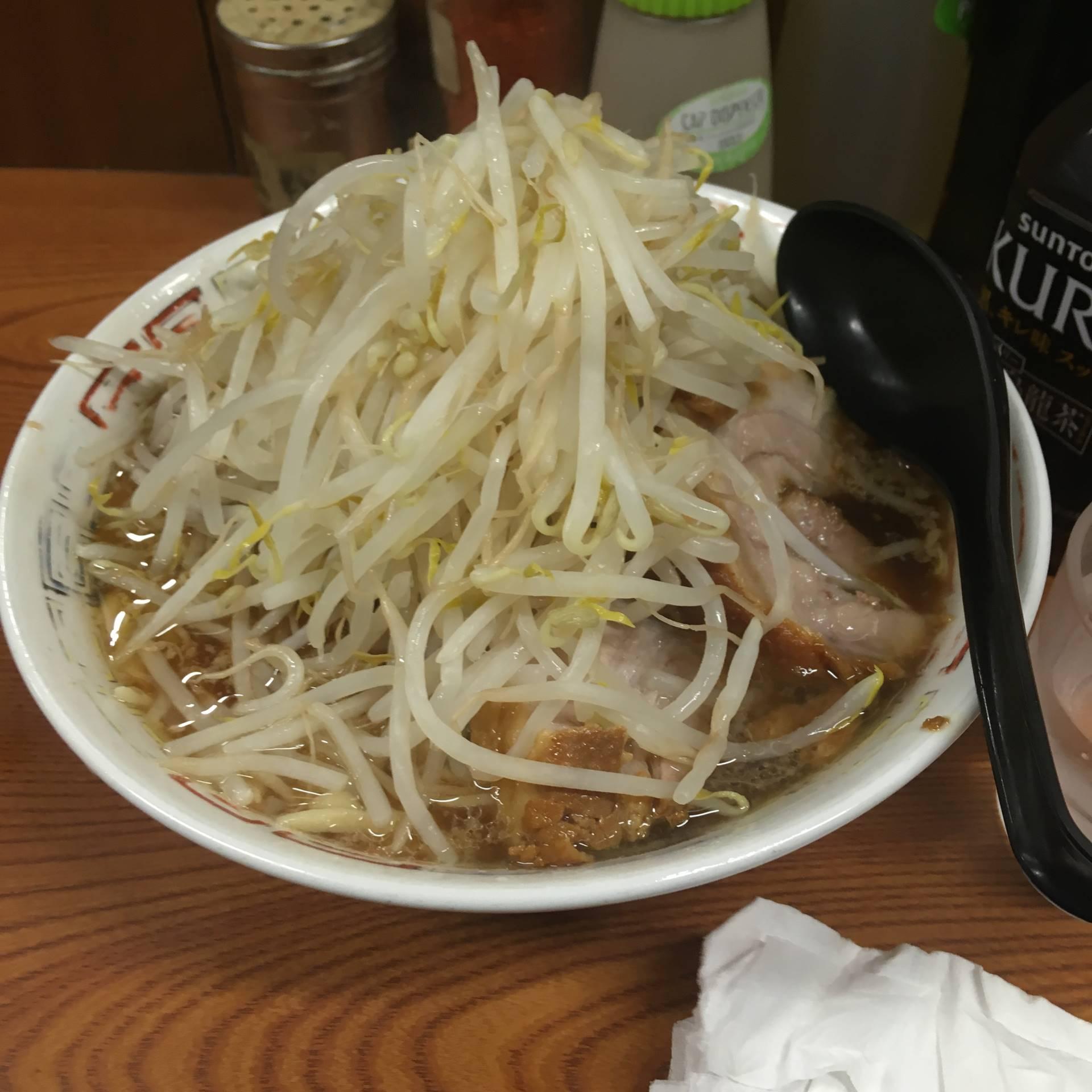 ラーメン二郎亀戸店 21回目ラーメン730円「麺少なめ・硬め」 「野菜マシニンニク」