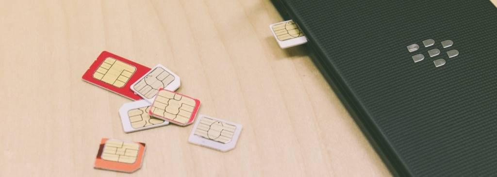 SIMカード(写真)