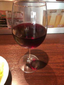 いきなり!ステーキ浅草駅前店で赤ワイン