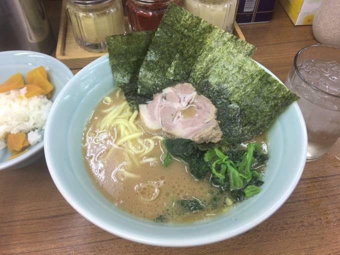 武蔵家 北千住店ラーメン650円
