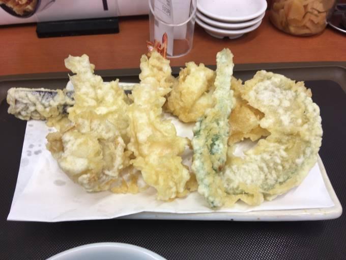 天ぷら盛り合わせとホタテ