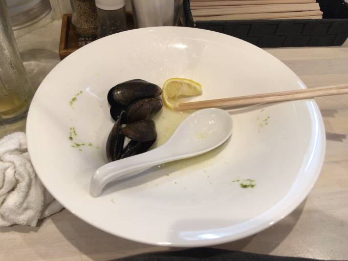 吉法師のムール貝と汁がある冷やし麺