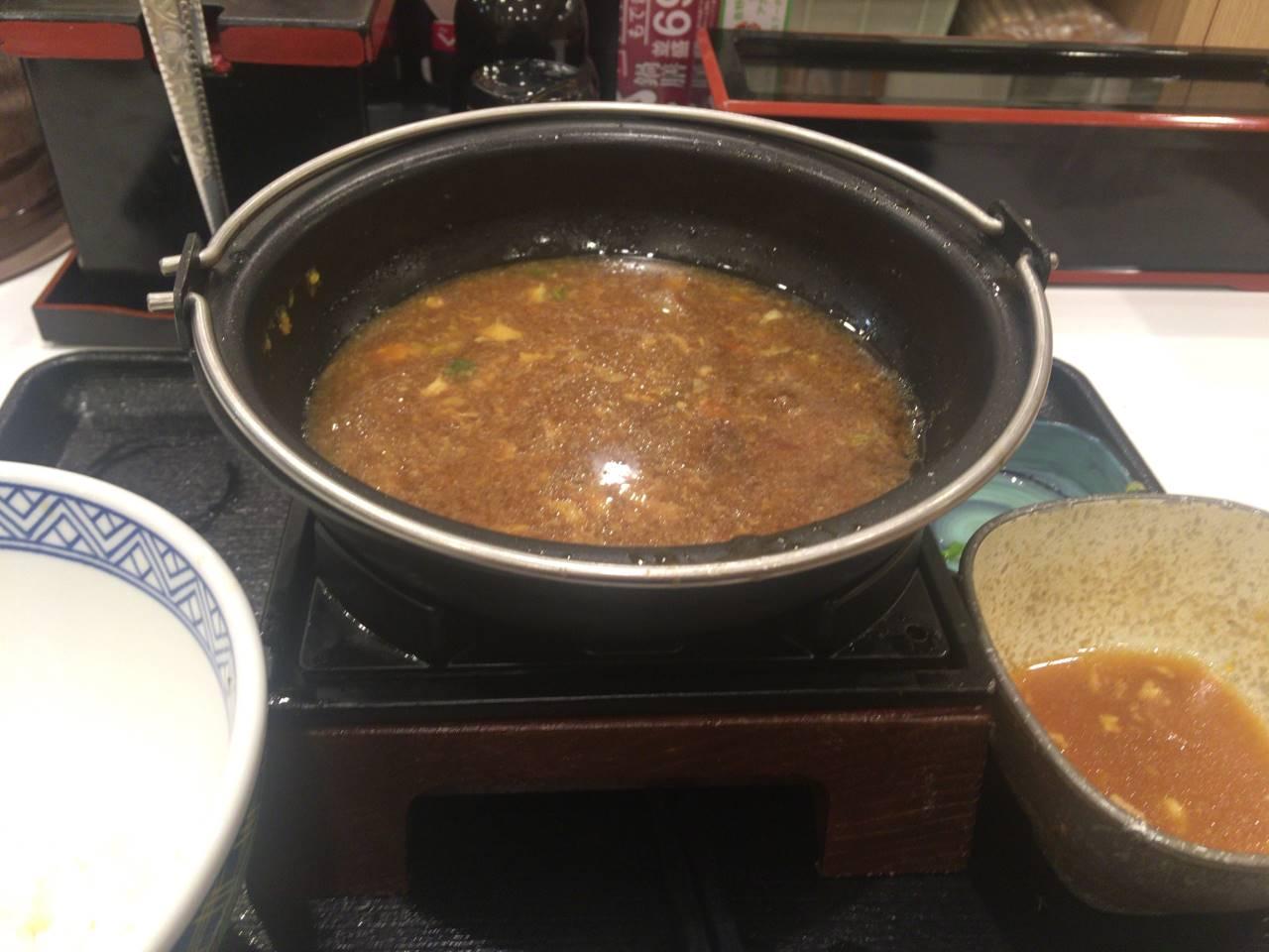 牛すき鍋膳(並盛) 690円食べ終えた図