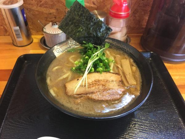 麺屋 頂 中川會(曳舟店) 濃厚魚介鶏らーめん800円