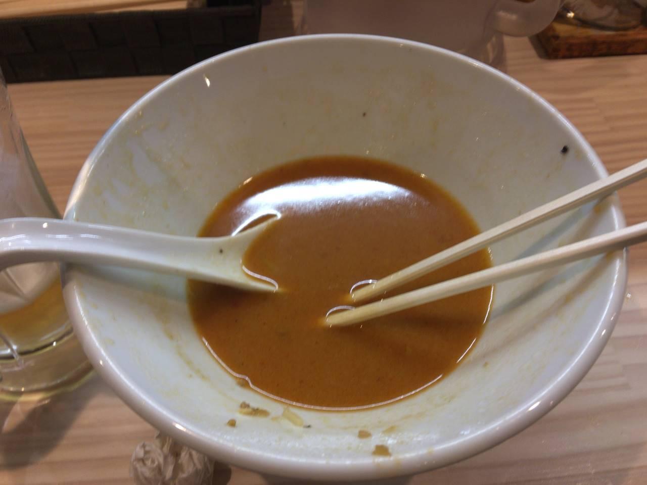 担々麺食べ終えた図
