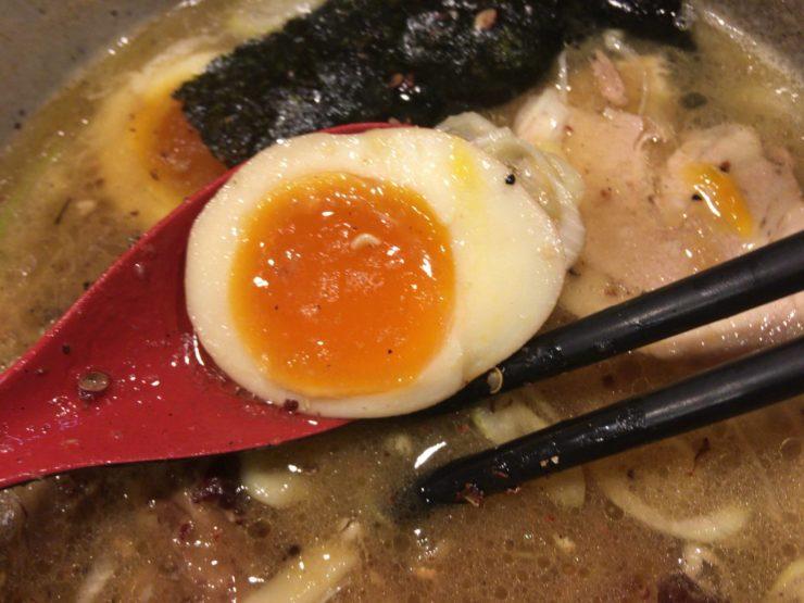 特製生姜鶏白湯に入っていた味玉