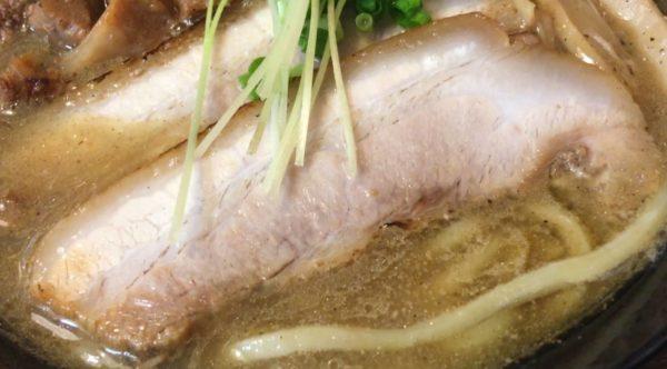 濃厚魚介鶏らーめんの肉