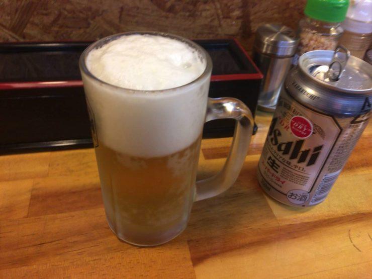 麺屋 頂 中川會の缶ビール350円