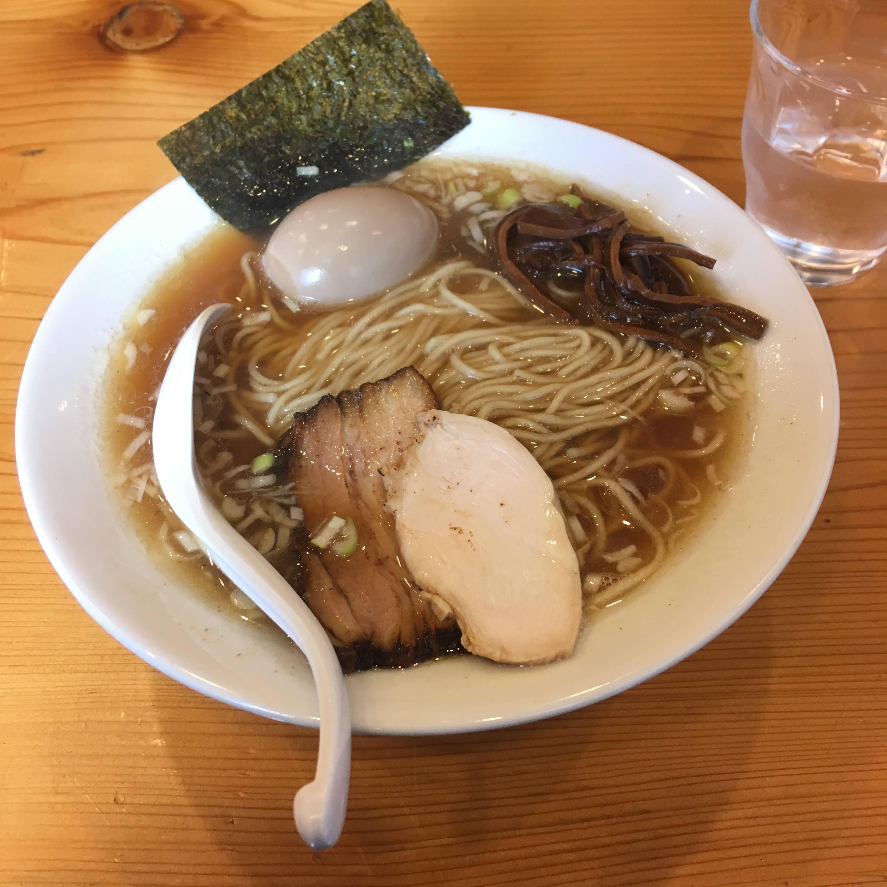 すずめ食堂の中華そば750円 2018年12月14日