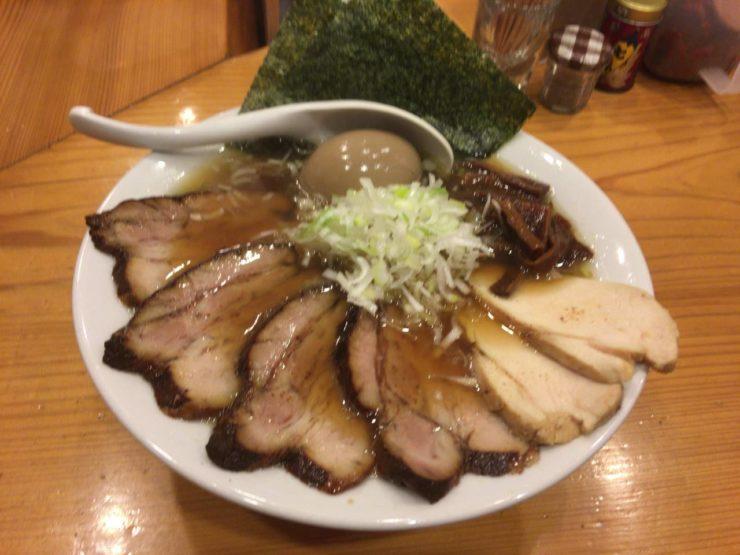 ラーメン屋 すずめ食堂にて「特すずめ中華そば」1100円