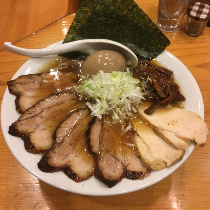 特すずめ中華そば1100円 すずめ食堂