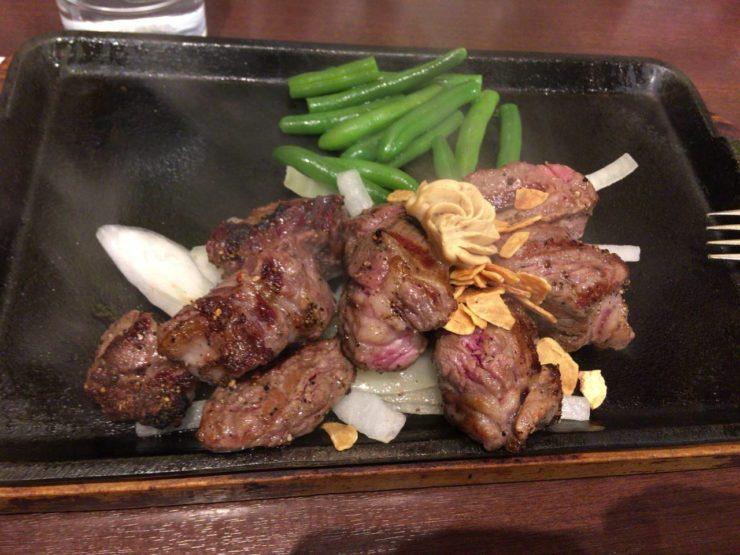 いきなり!ステーキの乱切りカットステーキ200g
