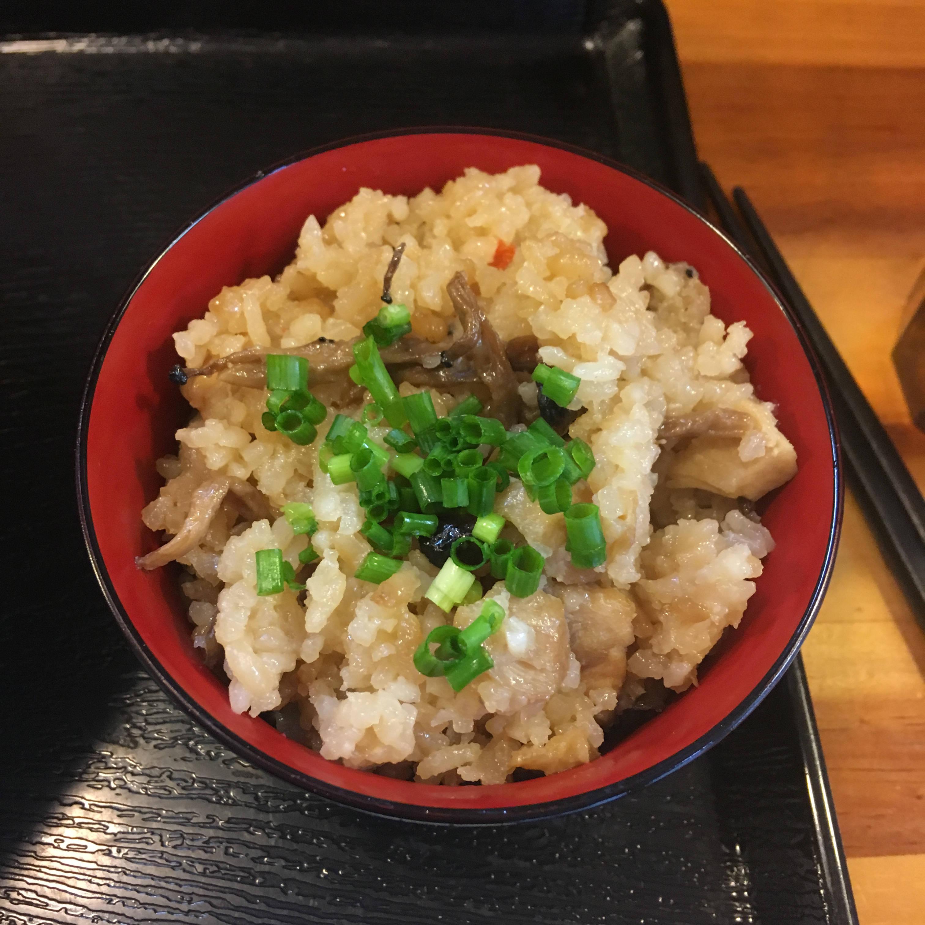 とりの炊き込みご飯150円|麺屋太陽