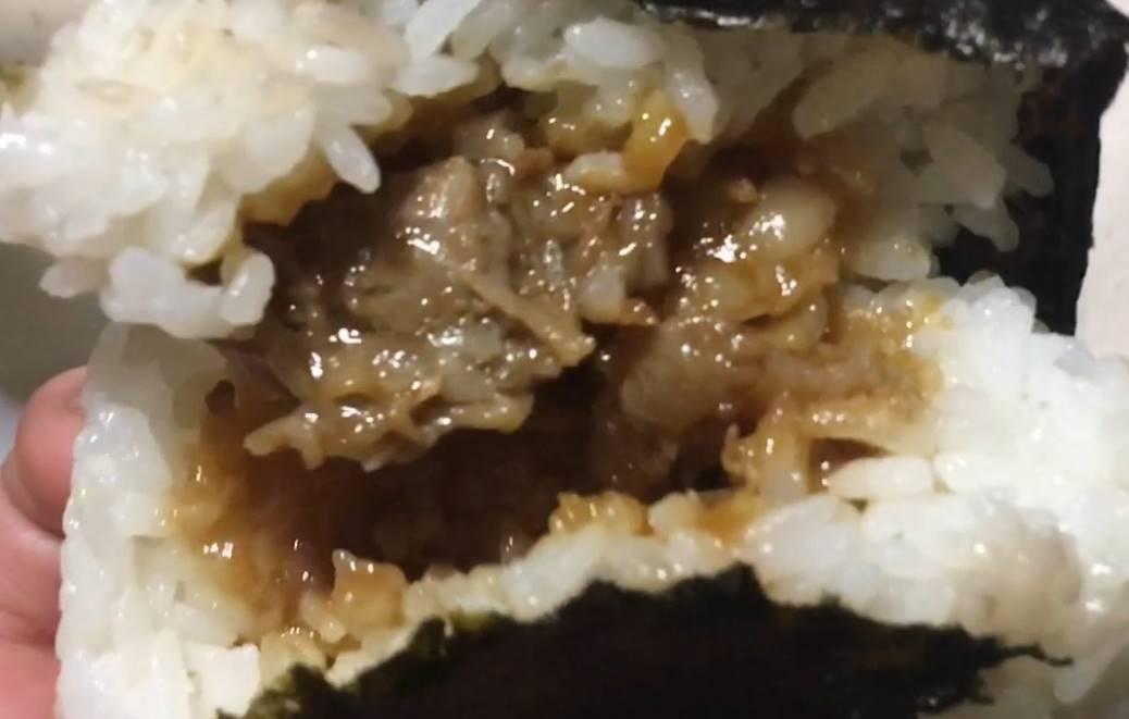中身の具拡大図:松坂牛すき焼き おにぎり|ローソン