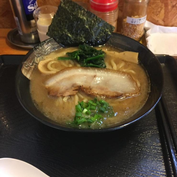 麺屋頂中川會の濃厚魚介鶏らーめん 800円