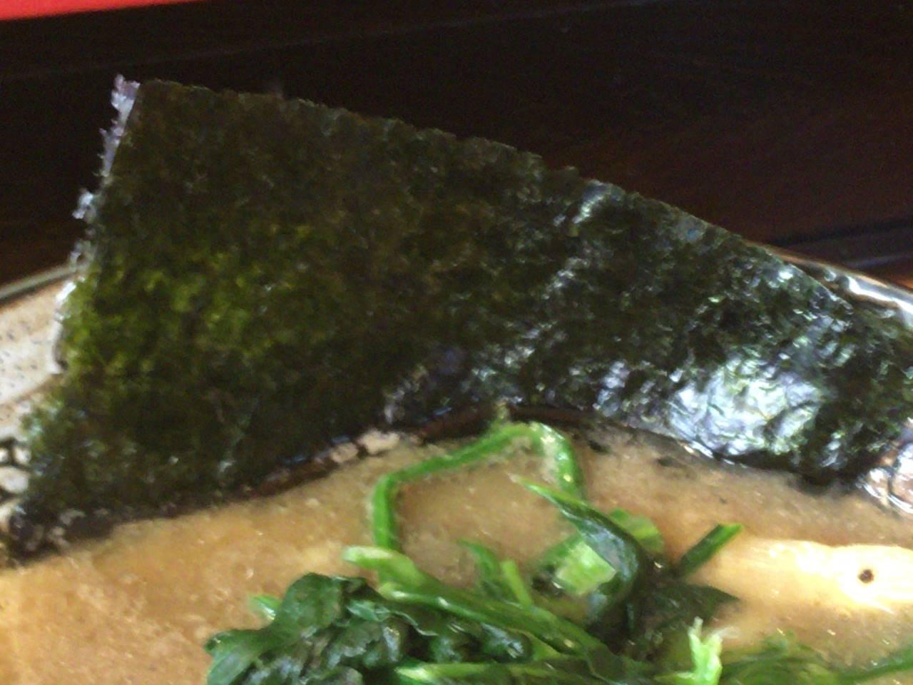 麺屋頂中川會の濃厚魚介鶏らーめん の具の海苔