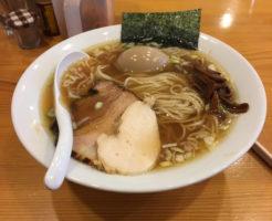 曳舟駅近くのラーメン店すずめ食堂の「中華そば750円」玉子はクーポン使用