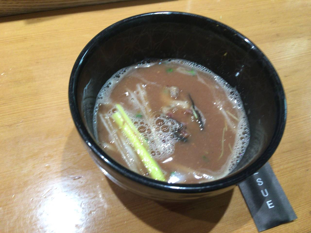 限定麺 ホタルイカと牡蠣の細つけそばのスープ