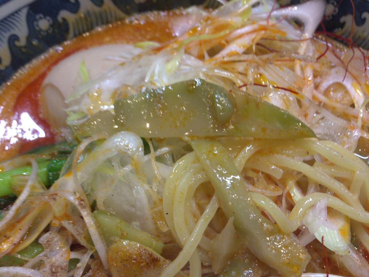 ザーサイ:四川担々麺900円ラーメンソレナリ