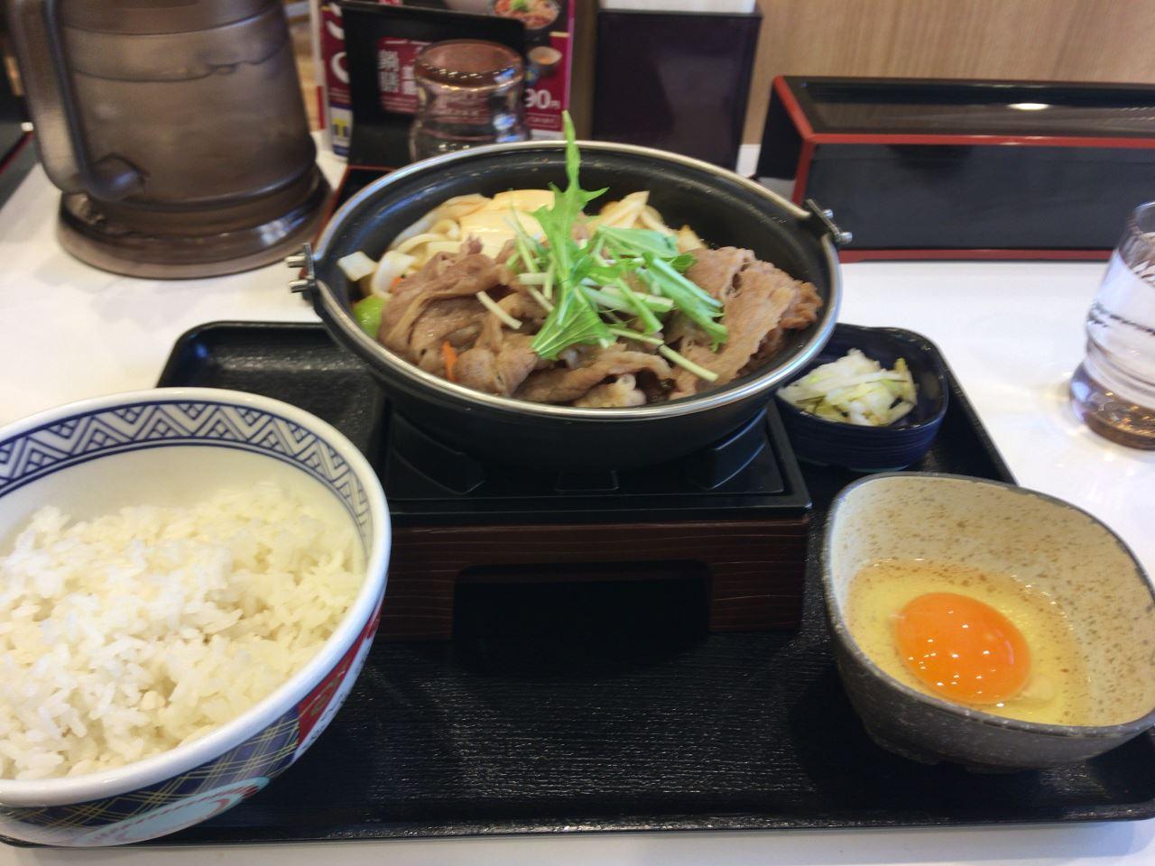 2019年3月5日に食べた吉野家の牛すき鍋膳並は肉が硬かった