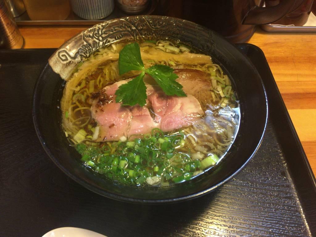 白ハマグリからお出汁と鶏のスープの醤油ラーメン 麺屋太陽