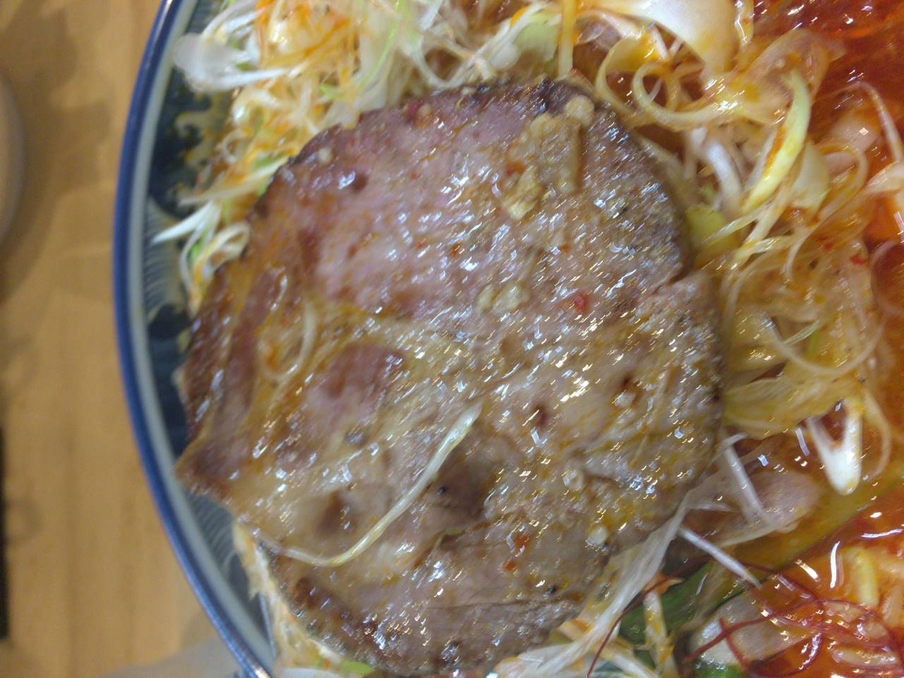 ラーメンソレナリの豚肉