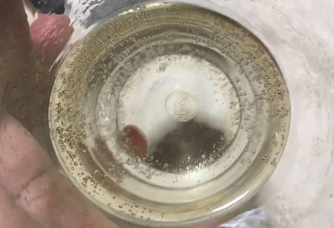 中身の液体 キリン・ザ・ストロング ハードラムネ チューハイ 350ml