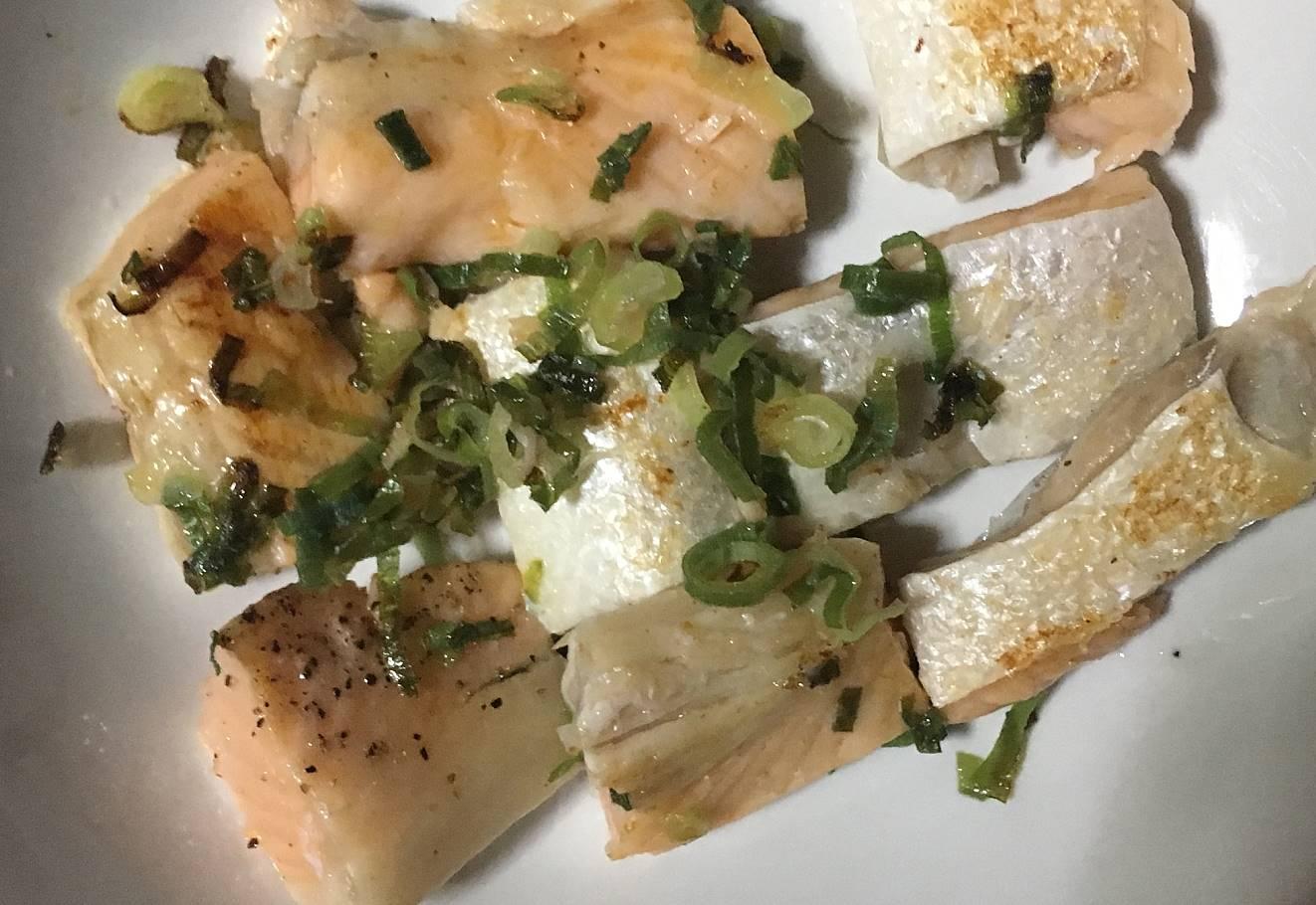 調理後の状態:ねぎ塩焼き鮭のハラス|まいばすけっと