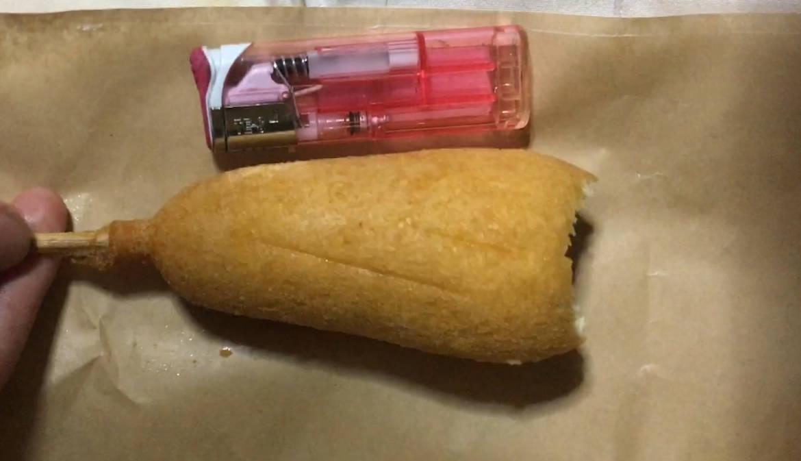 ライターと大きさ:ローソンのジャンボアメリカンドッグ