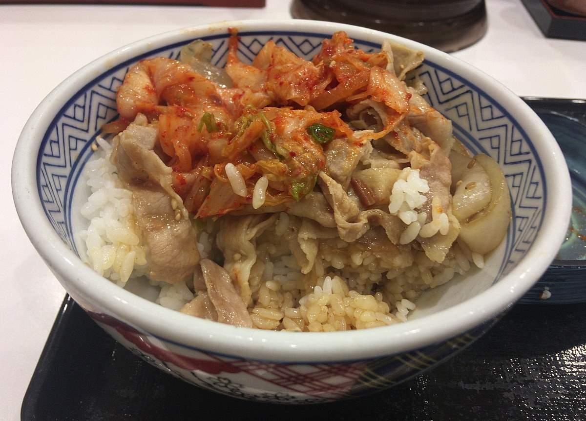 キムチの味の方が強い。:キムチ豚丼 吉野家