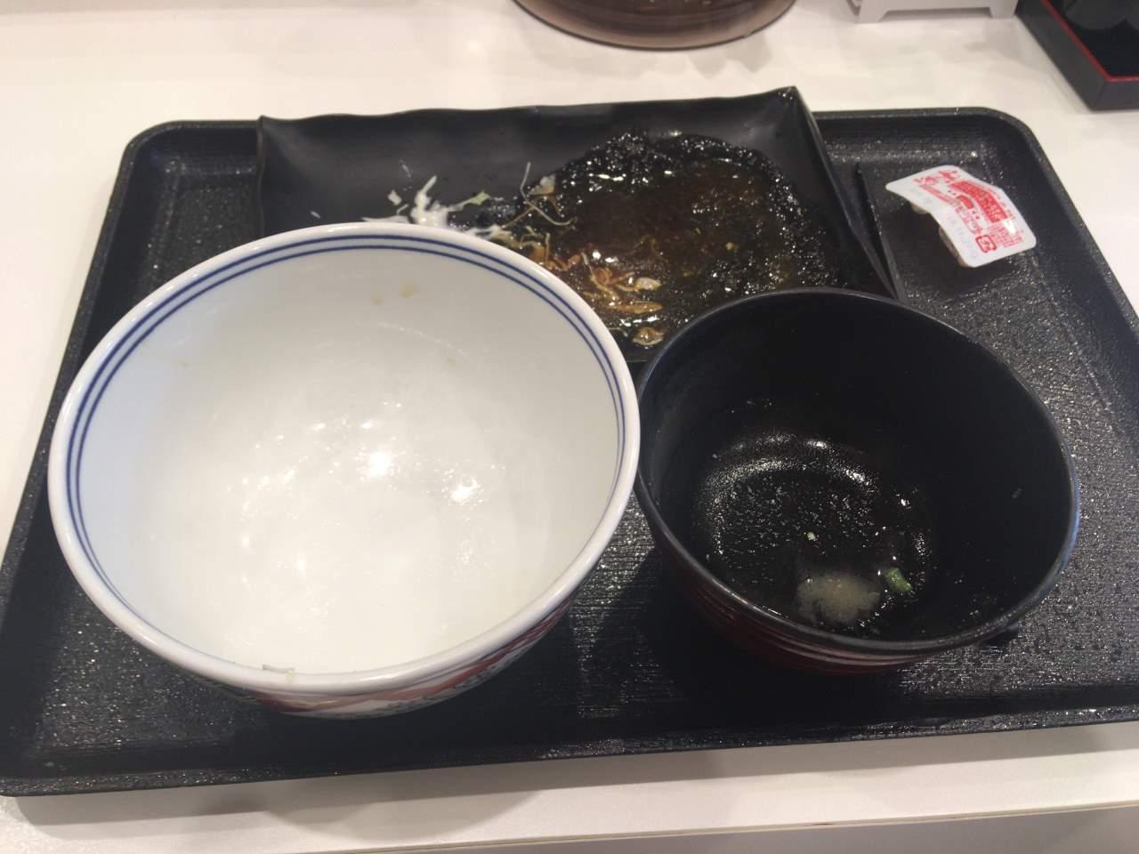 完食した状態:豚生姜焼定食 吉野家