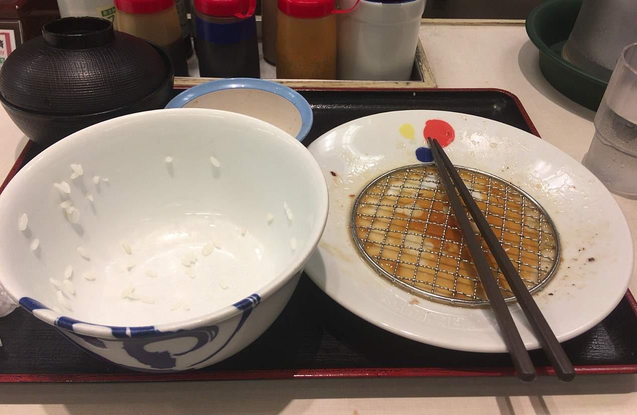 食べ終えた状態:牛焼肉と牛カルビの鉄板コンビセット