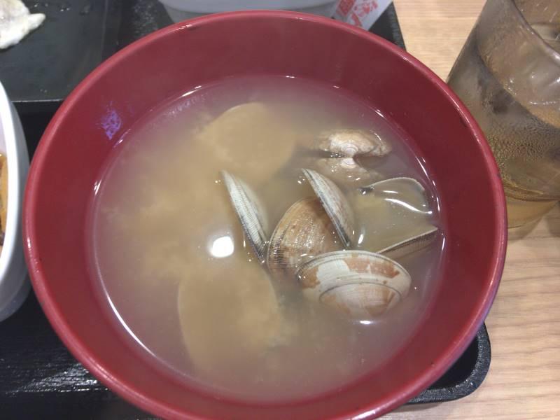 みそ汁から変更したあさり汁:焼魚牛小鉢定食|吉野家