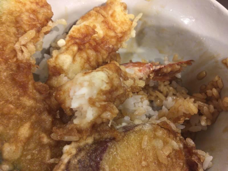 魚を食べた図:天丼並み芋載せ