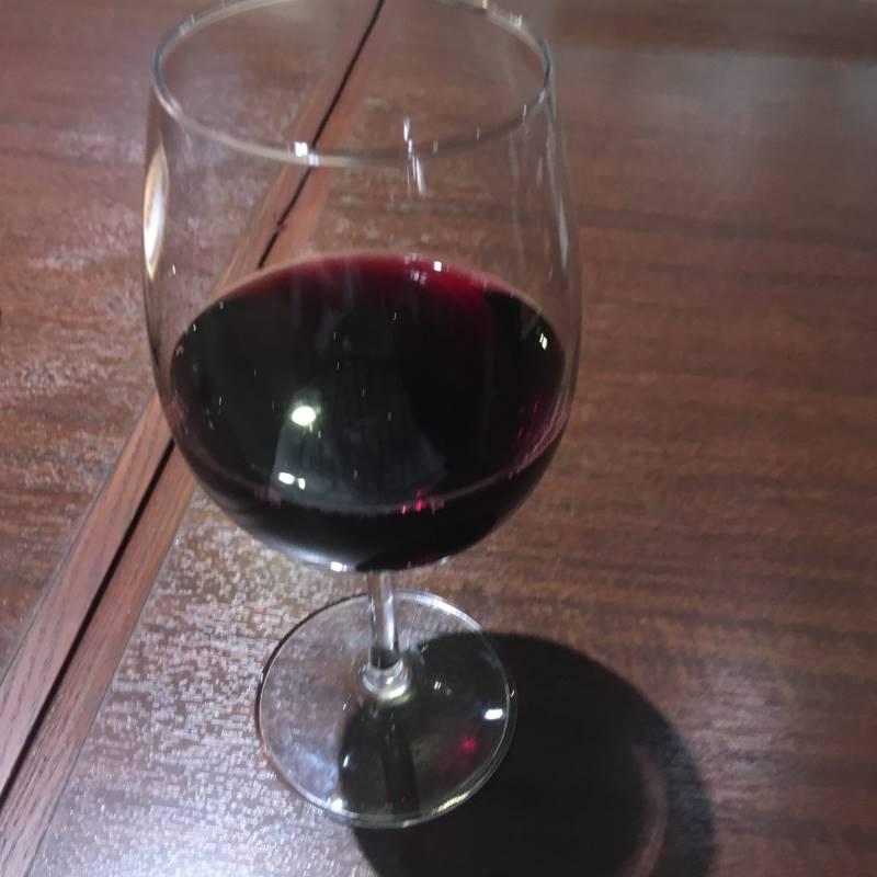 赤ワインはプラチナ肉マイレージ提示で無料:いきなり!ステーキ墨田大平店