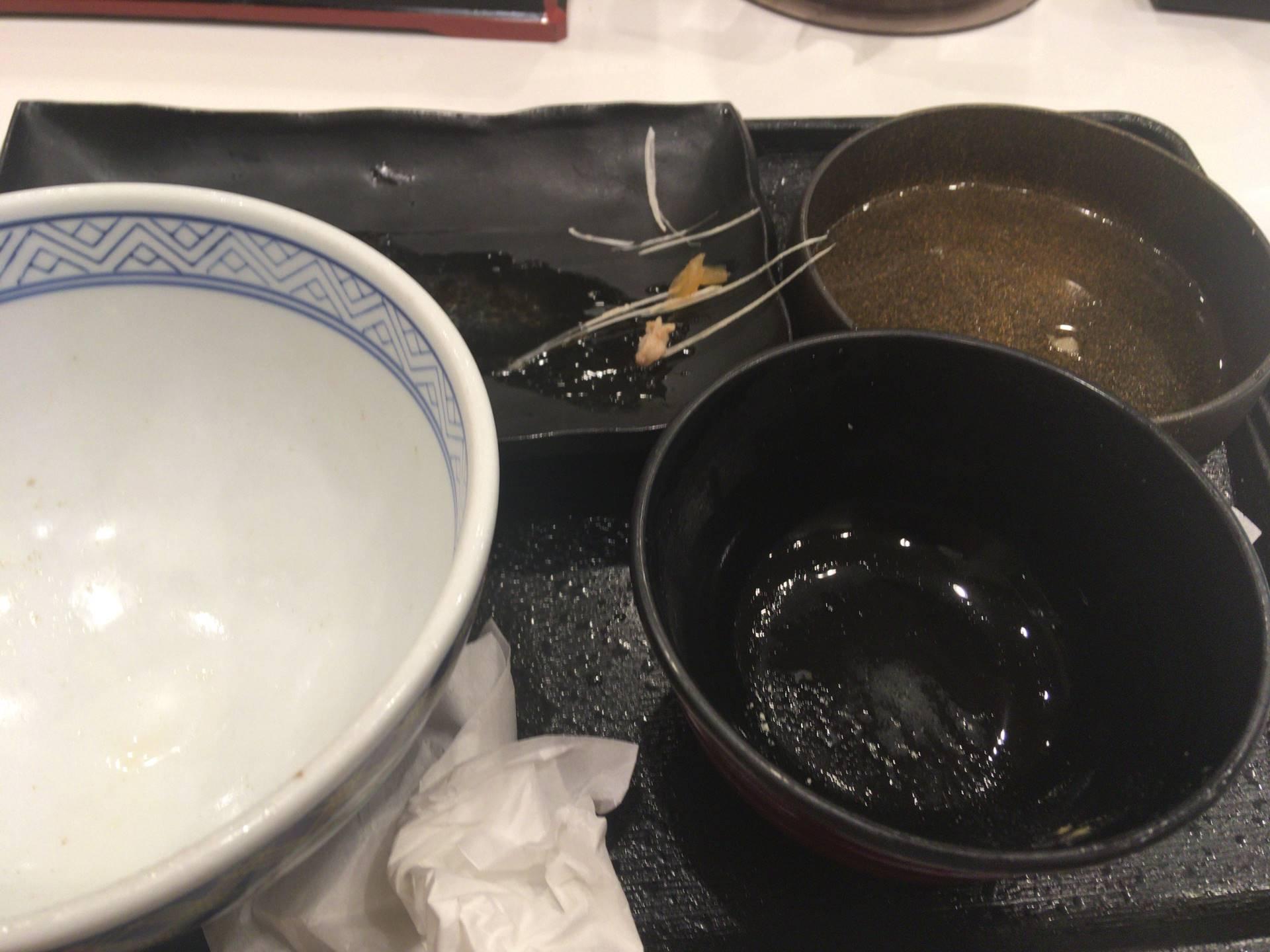 吉野家の牛鮭定食を食べ終えた状態