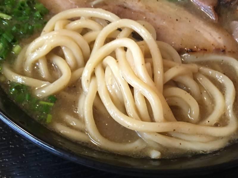 麺|濃厚魚介鶏らーめんと、屑チャーシュー130円 |麺屋 頂 中川會