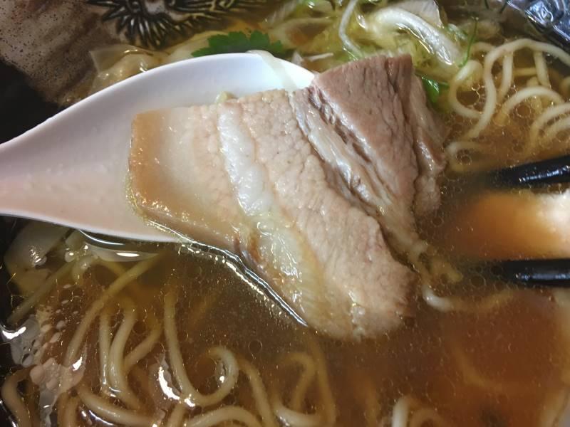 煮豚:麺屋太陽のとり醤油そば820円