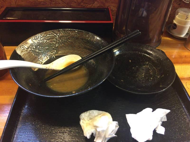 食べ終えた丼