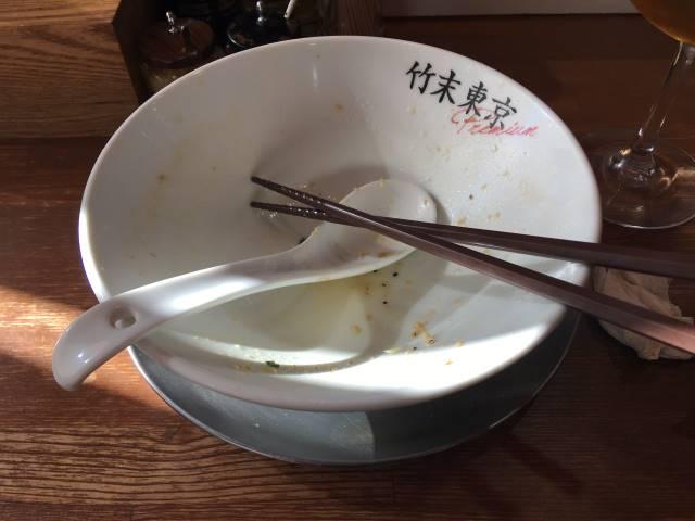 完食した丼:竹末東京プレミアムの鶏ホタテそば
