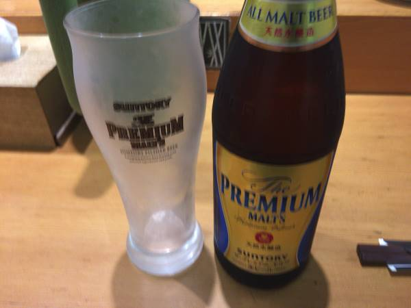 ビールはプレミアムモルツ