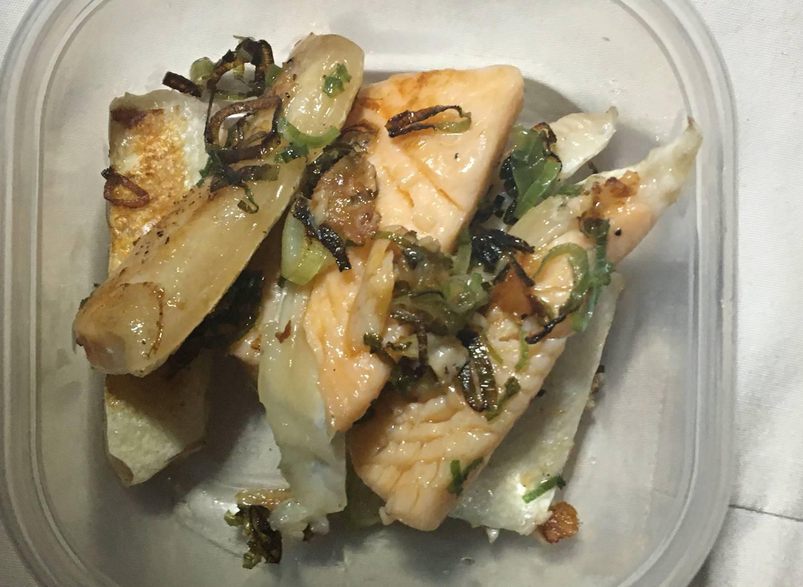 調理後の鮭のハラス