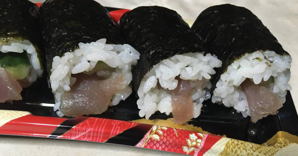 飛び出すまぐろ巻き 巻き寿司